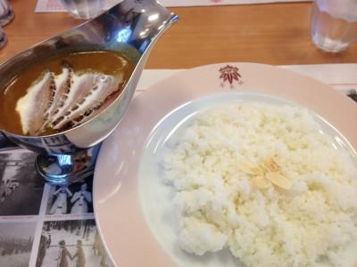 日光金谷ホテル 日本最古リゾートホテル 百年カレー メイプルリーフ