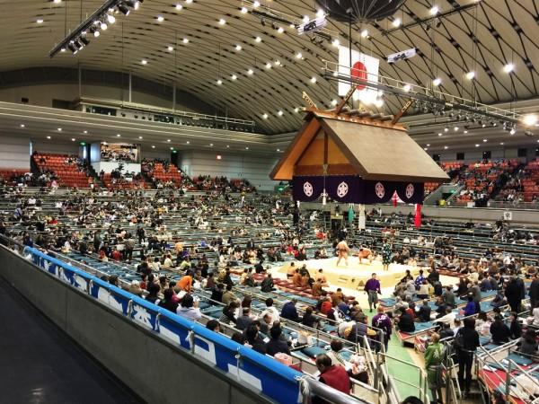 大相撲 春場所 三月場所 大阪場所 会場 座席表 館内 写真撮影