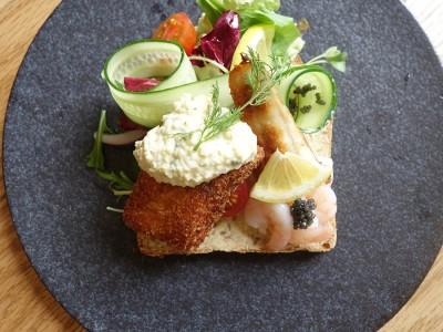 中之島図書館 サンドイッチ 北欧 重要文化財 Smorrebrod Kitchen Nakanoshima スモーブローキッチン 野菜にこだわり 流れ星
