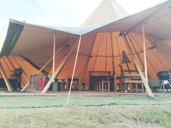 ネスタリゾート神戸 NESTA RESORT KOBE 兵庫 三木 大型リゾート施設 グランピング キャンプ バーベキュー 宿泊 値段 料金 アクセス 駐車場 手ぶら パーティテント