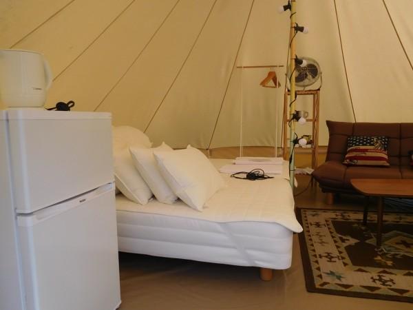 京都るり渓グランピングGRAX グラックス キャンプ るり渓温泉 バーベキュー 宿泊プラン 予約方法 値段 料金 交通アクセス 駐車場 空き状況 混雑 行ってきました ブログ グランピングテント スカイビューテント トレーラーハウス ソファー ベッド