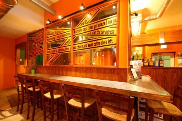 ブリューパブ テタールヴァレ 店内にビール工場 クラフトビール ビール醸造所 オリジナルビール