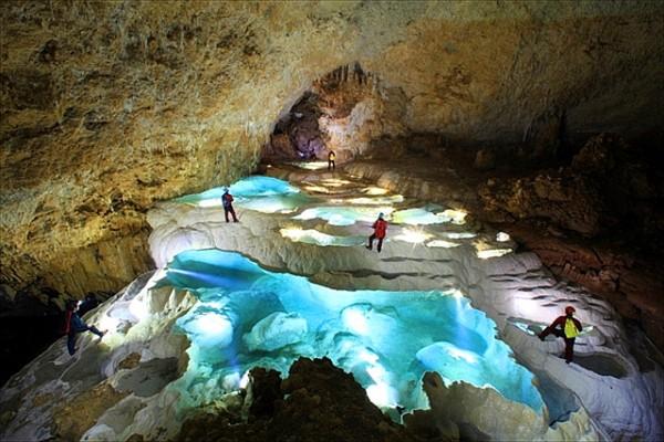 銀水洞 沖永良部島 鍾乳洞 洞窟 絶景 沸騰ワード10 沸騰島