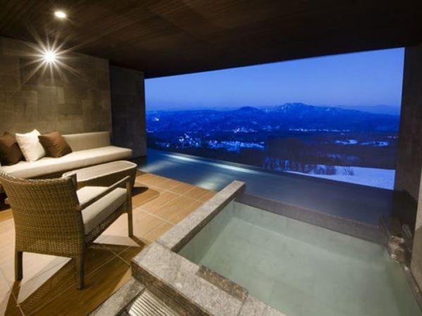 赤倉観光ホテル 露天風呂付き客室 源泉かけ流し