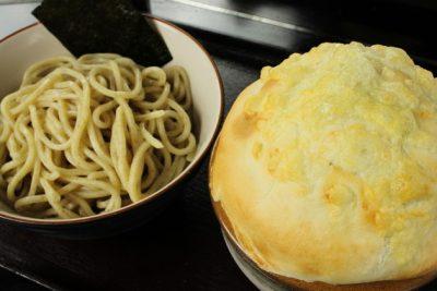 スマステーション フォトジェニックグルメ 写真 パイ包み焼きつけ麺 極UMAつけ麺 ユーエムエー