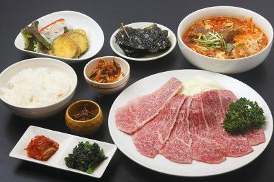 キャスト ここよりおいしいアレ アキナ 鶴橋 8月21日 焼肉めいげつ 温メン 冷麺