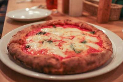 松本家の休日 チーズ大会 グルメマップ スクニッツォ・ダ・シゲオ 石窯ピザ 食べログ1位