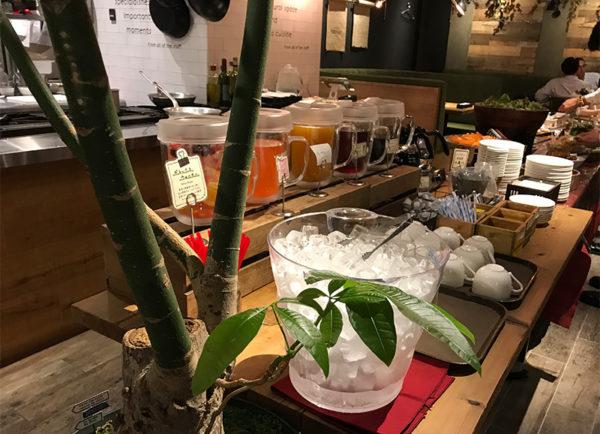 センバキッチン グリーンハウス ハービスプラザ店 サラダバー&ドリンクバー