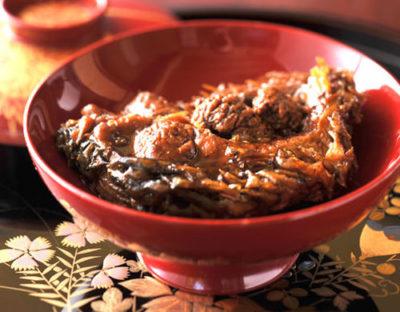 江戸時代から伝わる伝承の一品「鯉の甘煮」
