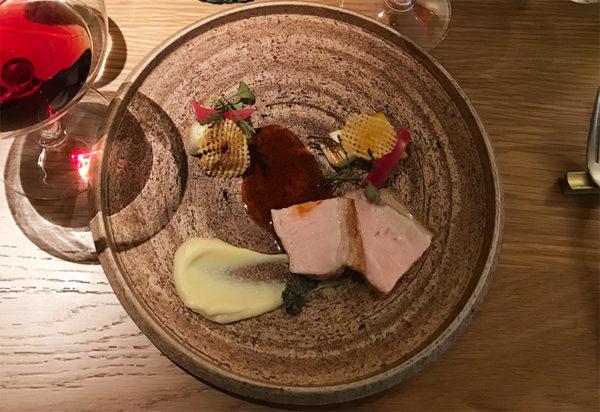 メイン 肉料理 茶美豚ロース肉のロティ フォン・ド・ヴォーソース