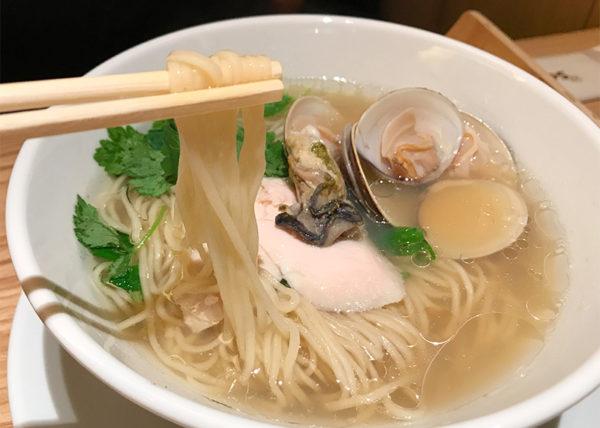 蛤と牡蠣 汐SOBA 麺