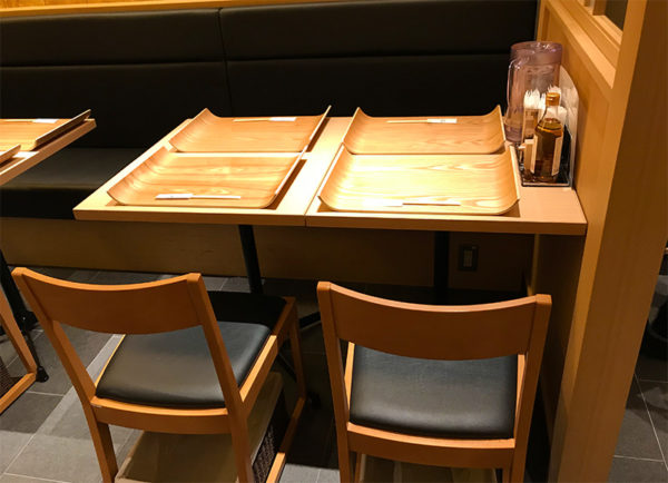 銀座 篝 テーブル席