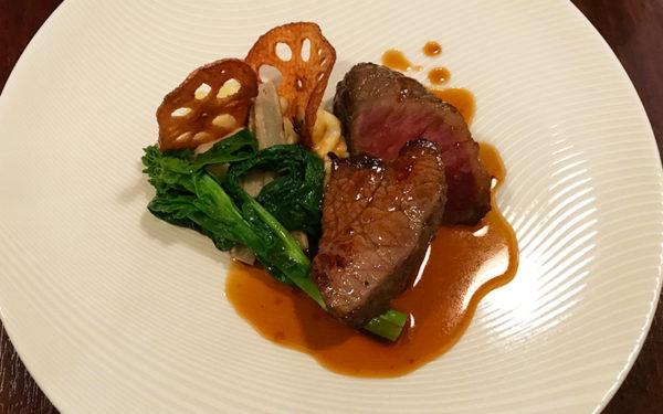 肉料理 7ヵ月熟成「仏産シャロレー牛」のロースト ジャガイモとトリュフのムースリーヌ添え ソースマデール