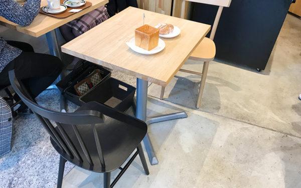 パンとエスプレッソと 南森町 テーブル席