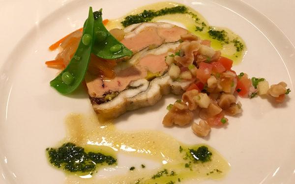 前菜 穴子とフォワグラのプレッセ リンゴとクルミのソースエスカベーシュ