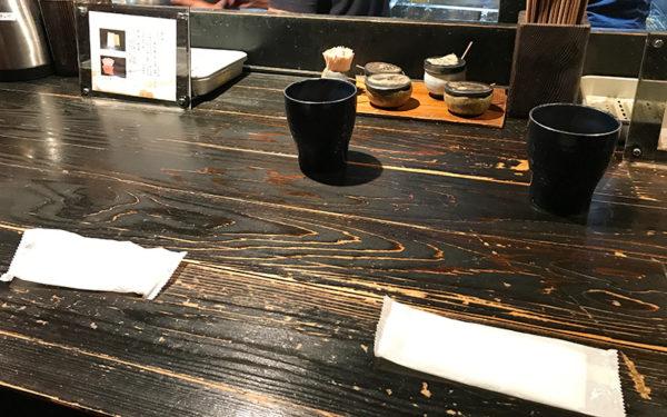 山元麺蔵 カウンター席