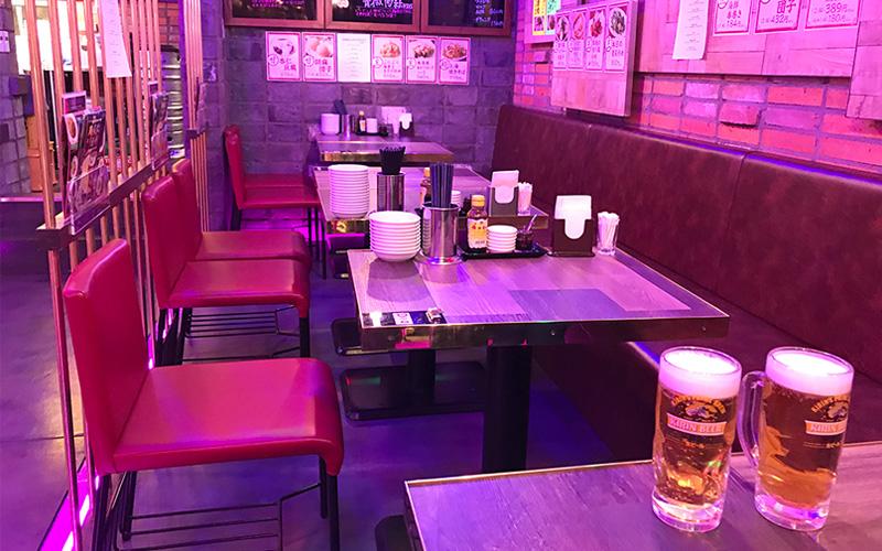 幸福飯店 ハッピーハンテン テーブル席