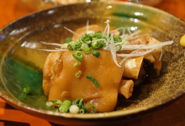 キャスト ここよりおいしいアレ アキナ 7月9日 沖縄料理 テビチ