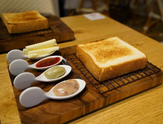 今ちゃんの実は 今田 サバンナ 高橋 八木 銭湯 グルメ ロケ 収録 7月25日 ウラなんば 座ウラ 食パン