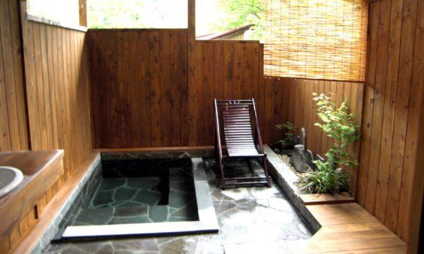 花敷温泉 囲炉裏の御宿 花敷の湯 貸切露天風呂