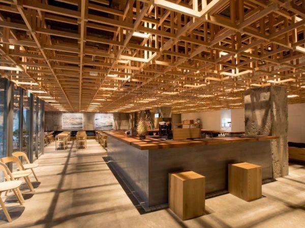 KUMU金沢 THE SHARE HOTELS フロント