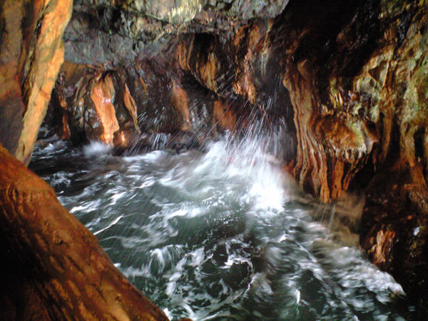 和歌山 南紀 白浜 景勝地 三段壁 洞窟