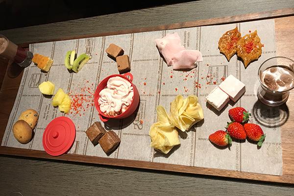 神戸北野ホテル いちごブッフェ スイーツビュッフェ 進化形チョコレートフォンデュ
