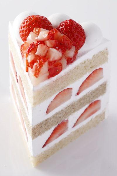 パティスリーSATSUKI エクストスーパーあまおうショートケーキ