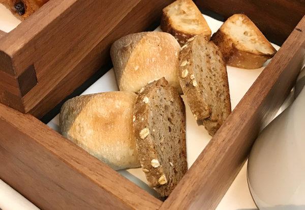 焼きたてパン 朝食 神戸北野ホテル
