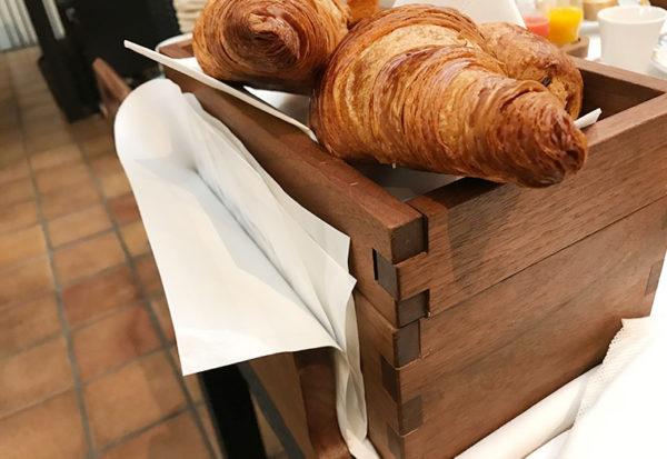 パン お持ち帰り 袋 朝食 神戸北野ホテル