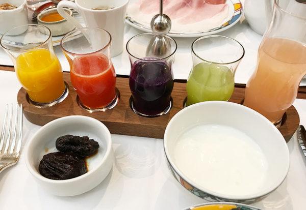 飲むサラダ プルーン ヨーグルト 神戸北野ホテル 朝食