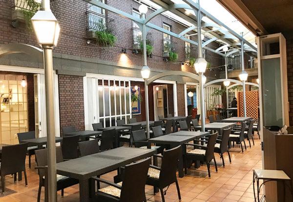神戸北野ホテル レストラン 朝食海上 中庭 パティオ