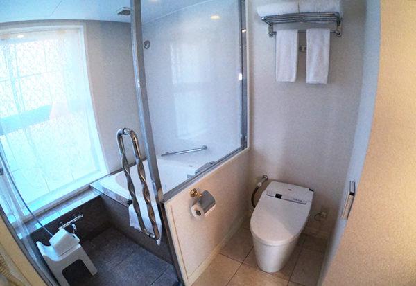 神戸北野ホテル デラックスダブル 客室 トイレ お風呂 シャワー