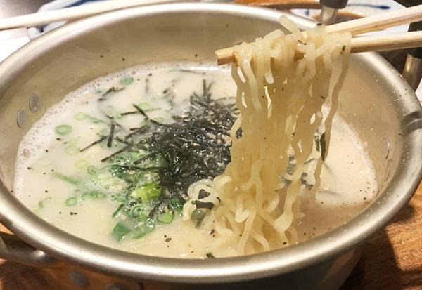 らむ屋 岩本 ラーメン 〆 ラムパイ ひつじ白湯 縮れ麺