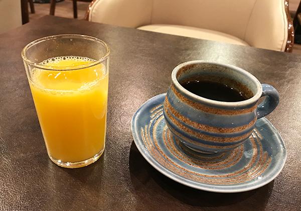 有馬きらり ラウンジ ウェルカムドリンク 珈琲 オレンジジュース