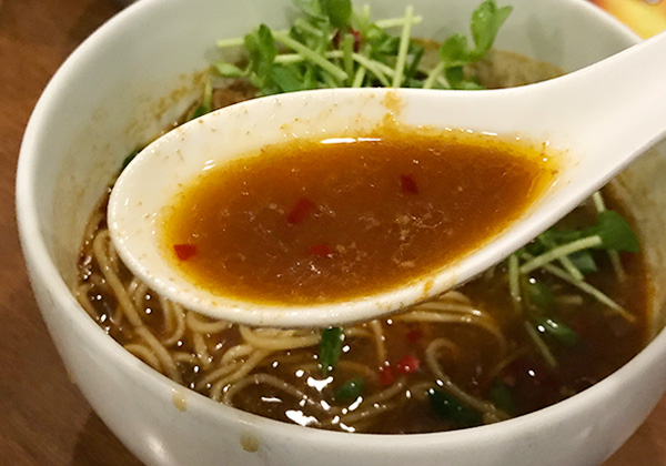 大阪 箕面 台湾ラーメン G 辛口 スープ