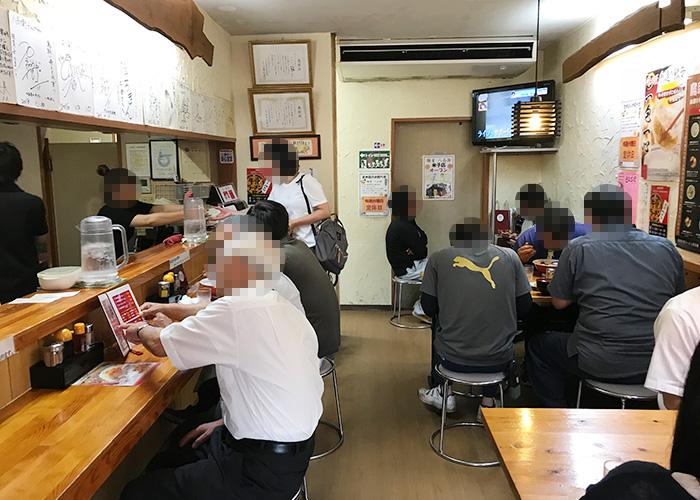 鳥取 倉吉 牛骨ラーメン 麵屋 八兵衛 店内 混雑