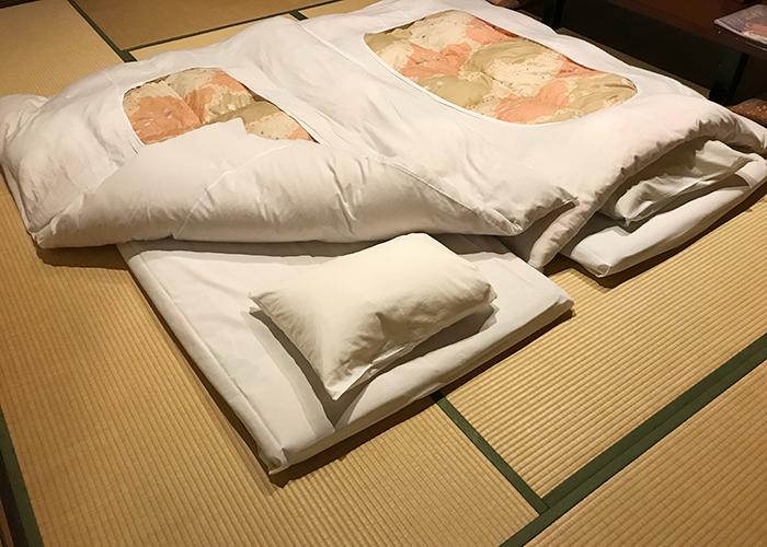 三朝温泉 旬彩の宿 いわゆ 桜の間 布団