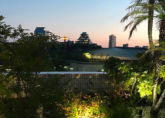 ホテルニューオータニ大阪 プールサイド ビアガーデン THE TERRACE 大阪城 ライトアップ