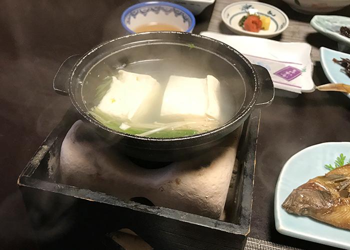 三朝温泉 旬彩の宿 いわゆ 朝食 湯豆腐