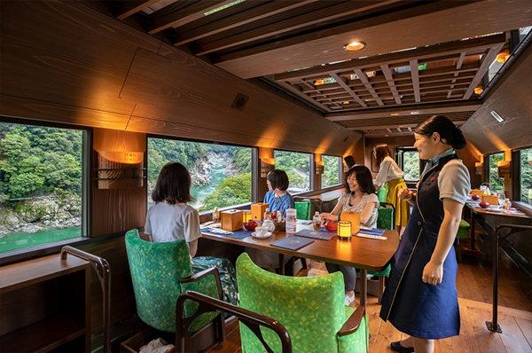 おはよう朝日 バスツアー 休暇村讃岐五色台千年ものがたり