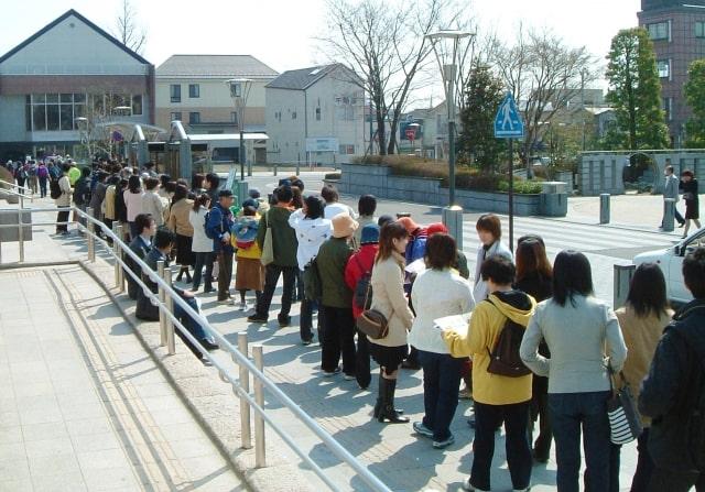 ちゃちゃ入れマンデー あの人だかりは何だ 行列 狙い目 グルメ 紹介した店 大阪メトロ 四つ橋線
