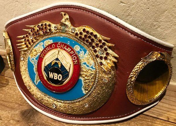大阪 北新地 おにぎり専門店 おにぎり竜 店内 ボクシング 世界チャンピオン チャンピオンベルト
