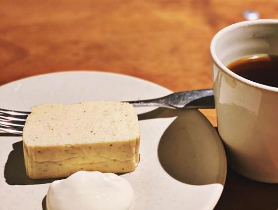 ウラマヨ 大阪 北浜 スイーツ激戦区 シナモンチーズケーキ エンバンクメントコーヒー