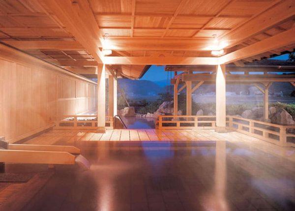 新潟 月岡温泉 白玉の湯 華鳳  檜風呂