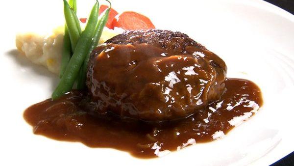 帝国ホテル ハンバーグステーキ オニオンソース