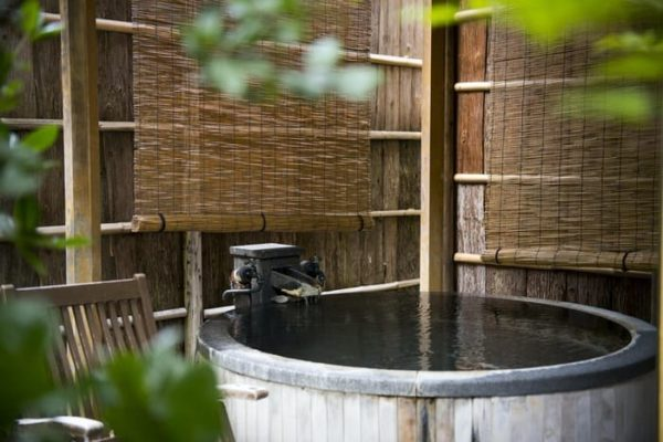 赤湯温泉 櫻湯 山茱萸 客室露天風呂