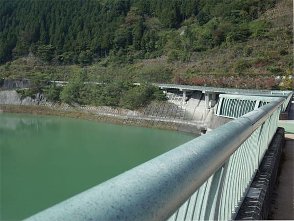 かりそめ天国 埼玉 旅館 四千頭身 後藤ファミリー浦山ダム