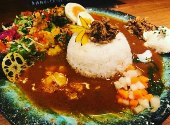 松本家の休日 大阪カレー 食べログ1位 スパイスカレー ボタニカリー