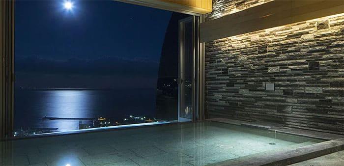 星野リゾート リゾナーレ熱海 半露天風呂